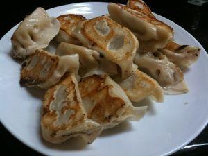 瓢たんの焼き餃子。味噌だれにつけて食べるのが特徴。結構大きめで食べ応えあるね。