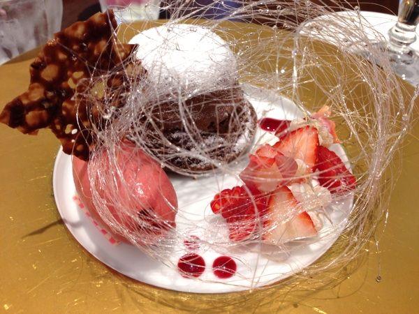 フォンダンショコラ。デコレーションがすごい!味も納得の味→→→カファレル 北野本店