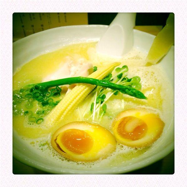 鶏白湯SOBA@銀座 篝 /クリーミーな鶏白湯スープと麺の相性も良く丁寧で完成度の高い一杯(^^)vただ店が狭いので並ぶ時間は長め...