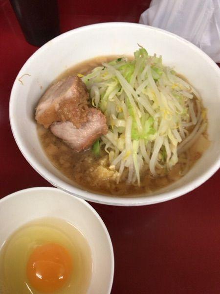 ラーメン二郎 相模大野店 #ramen 少なめニンニク少し¥700+生タマゴ¥80 いただきました。うまかったです(^^)