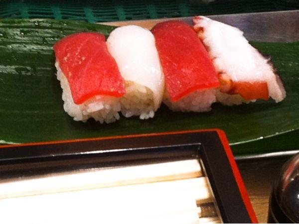 和田鮨に来たよ1.5人前1050円 13カンと巻物とカニ汁で美味しく頂きました。