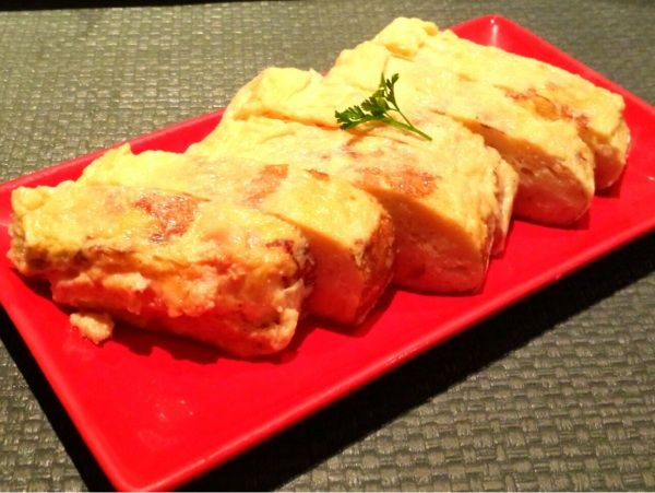 札幌市中央区のおずsmoked和taste。とろーり燻製明太子クリームチーズの出汁巻き玉子。どれも美味いd(^_^o)