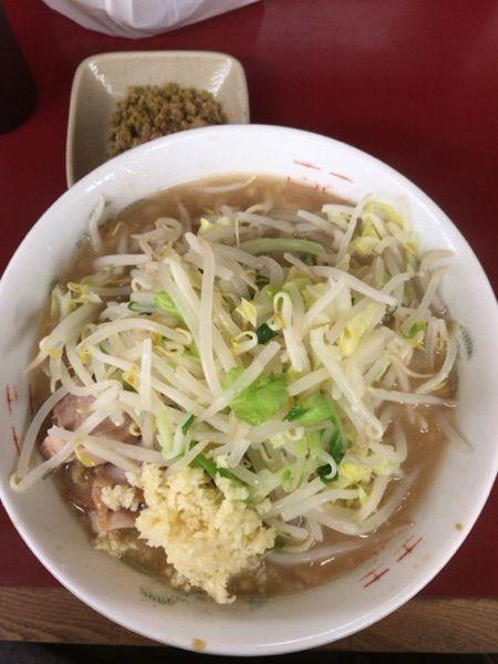 ラーメン二郎 相模大野店 #ramen ラーメン¥700 和ッカレー¥100 にんにく いただきました。カレーも美味いんですよね(^^)