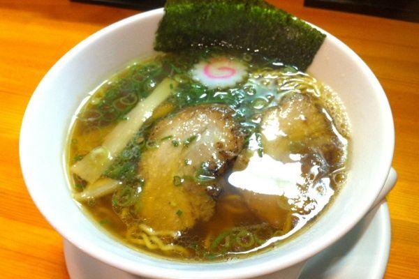 らーめん ぺぺ@ペペ醤油☆750円ハムでプファ〜!鶏清湯にいりこのWスープ!和む〜♪♪ #ramen