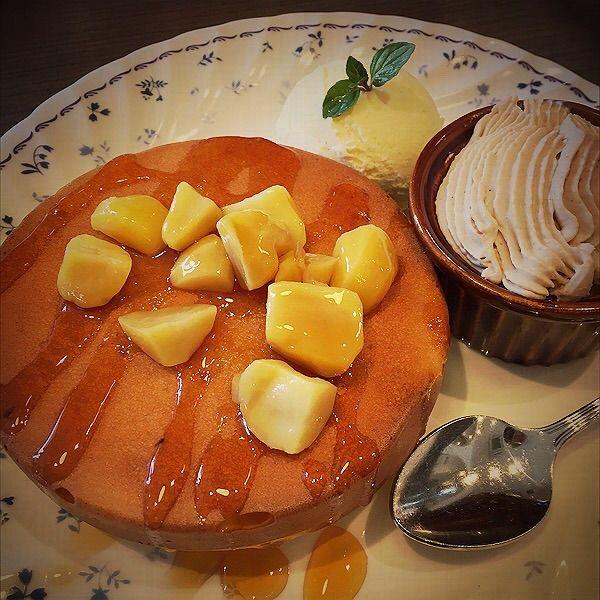 マロンのホットケーキ  バニラアイス添え