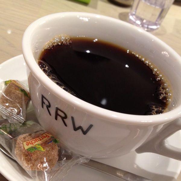 リゴレット ロティサリー アンド ワイン。一口スープ、ツインタパス、サラダ、メイン、デザート、コーヒーで1500円のリゴレットランチはオススメd(^_^o)