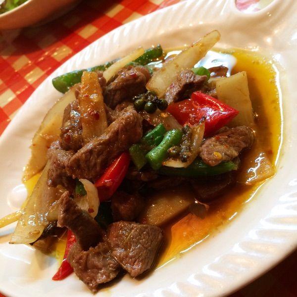 Koh Phi phi 溝の口店続いて、牛肉と生胡椒の辛炒め。生胡椒のとってもフレッシュな香りと辛さがやみつきになりそう(≧∇≦)