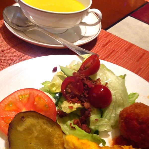 GWランチ(^O^)♡前菜もメインのパスタもデザートもぜーんぶ美味しかった♡今度はデザートビュッフェに行きたいな(^^)