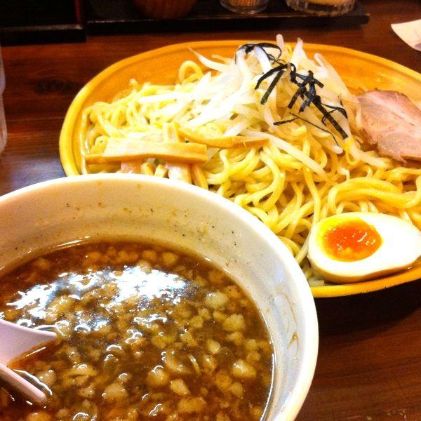 ラーメン寿や で濃厚つけ麺(850円)。自家製麺にこだわりの店です。つけ汁はそれほど濃厚ではなかったなぁ。