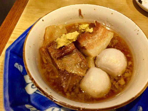 豚の角煮。ウマい。ほんのりあったかい。 (@ 久昇 本店)