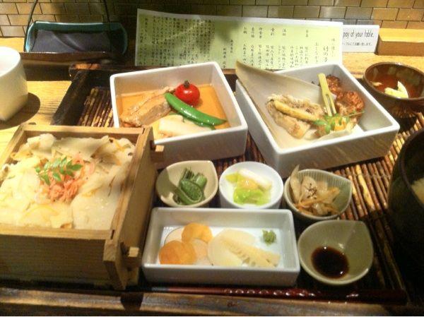 同級生に、やさい家めいに連れてきてもらいました。竹の子御膳を頂きました。大変美味しゅうございました。