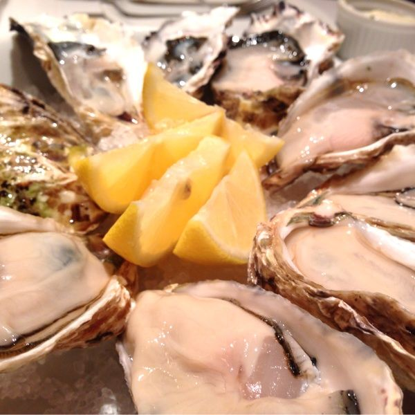 先日の牡蠣三昧!生牡蠣最高!!厚岸の丸えもんは安定のお味、三重の的矢湾のは初めて食べたけど、クリーミーで大粒で美味しかったぁ(*´Д` )