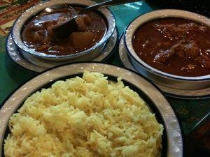 ガラムマサラでカレーランチ。野菜カレーは相変わらずの美味しさ!カルダモンチキンカレーも最高!幸せな気分になれました! @hasan0430 さん美味しいカレーありがと!