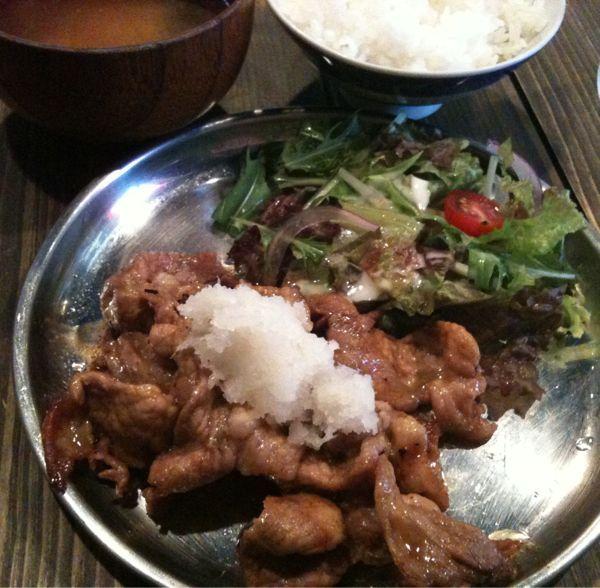 朝挽豚専門店 ぶった 赤坂見附店にきました。生姜焼き定食。