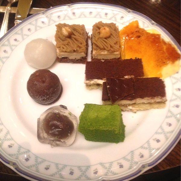 グリンデルワルド ケーキバイキングにきました(=^ェ^=)モンブラン、ティラミス、クリームブリュレに和菓子もあるよー♪( ´▽`)