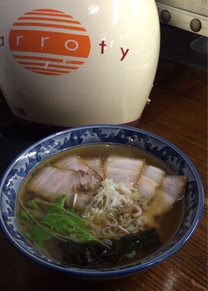 麺工房 隠國 愛川本店 澄んだ色のきれいなスープです。