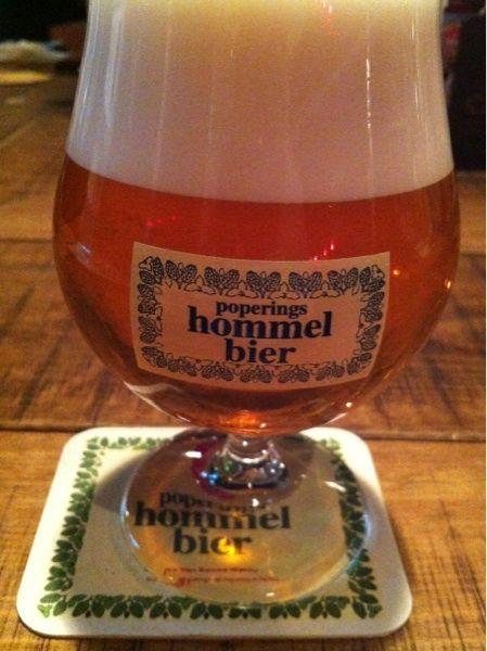 Hemelにてホメルドライホッピング #beerpic 飲みやすいけど、もう少しキリッとしてていいなぁ。