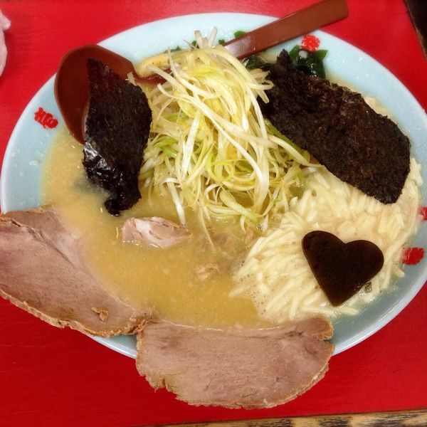 壱発ラーメン 新八王子店ネギとろ味噌らーめんコクのある味噌豚骨スープに硬めにした細麺、味付けの美味しいネギとシャキシャキとろろのバランスが美味しかった ♬チャーシューもGOOD