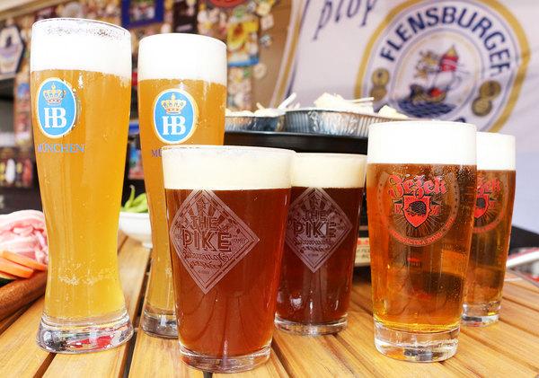 ドイツ「ホフブロイ」、アメリカ「パイクIPA」、チェコ「ヨジャック」