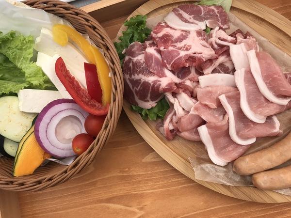 松屋銀座 国産ポーク&マンガリッツァソーセージとフレッシュ野菜の BBQ