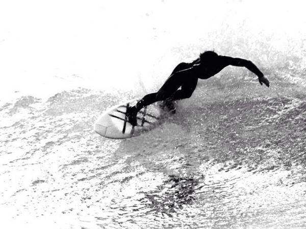 LAKEY Surf Office サーフィンスクール