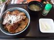(東久留米市) - 和食レストラン とんでん 東久留米店 「北海道ぶた丼(4枚)・オニオンサラダ・北海道牛乳ソフト」