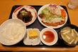 「キッチン中田中」お客さんがひっきりなしの人気の定食店で「和風おろしとんかつ」と「なすのみそ炒め」をチョイス!