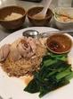 シンガポール海南鶏麺、麺がくっつき易いのは難点ですが、シンガポール料理の美味しさを知る事が出来る一品(シンガポール海南鶏飯 赤坂店 (ハイナンチーファン)@赤坂)