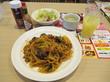 (東久留米市) - ガスト 東久留米店 「なすとほうれん草のミートソーススパゲティランチ(大盛り)、北海道ソフトのいちごパフェ、セットドリンクバー」