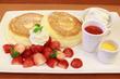 【茶寮煉/本八幡】期間限定パンケーキ、今はイチゴ♪