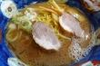 ここは醤油ラーメン、麺かたく・油多くで 天鳳@六本木