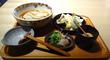 オッシャレ~♪なうどん屋さん「おおくぼ」で「海老と野菜の天ぷら付き冷かけうどん」