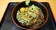 「冷しニラ天玉そば」@自家製麺とインドカレーの店「よもだそば」日本橋店