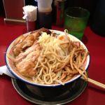 2012年(平成24年)11月18日(日)ビリーラーメン初めて食べた。太麺、背脂多め、味濃い目、チャーシューも大きくぶ厚く、最高!