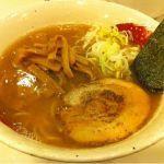麺 桜木町二ー五ー四@大宮で「ひらご煮干しらーめん」。 煮干しが香ってくる、あっさりな醤油ラーメン。チャーシューはバーナーで炙っている。#ramen