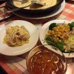 夕食にピッツアスタジアム マリノ イオン熱田店に行ってきました。 メインの選べるパスタ&サラダバーやピッツァ食べ放題などなど、腹パンになってしまいました☺︎