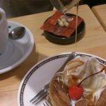 コメダ珈琲店  あべの店シロノワールにメープルシロップをたっぷりで♡