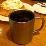 アイスコーヒーはグラスではなく銀コップに。@ コメダ珈琲店 ユニモール店