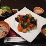 大戸屋 名古屋栄店鶏と野菜の黒酢あん定食