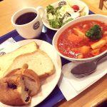 神戸屋キッチンでパン食べ放題!メインはポークとひよこ豆のトマト煮。お値段も¥1,200.-でお釣りが来るお手頃価格が良いね(≧∇≦*)