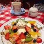 ラケル イオン各務原店  「レインボーワッフル」シロップのしみた生地とフルーツ、アイス、ホイップ、一緒に食べるとおいしかった♡