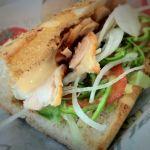 SUBWAY  ツイン21店 なう。チーズローストチキン サンド!