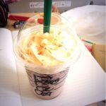 スターバックス・コーヒー イオン各務原店ホワイトティラミスフラペチーノのチョコチップ追加のエキストラホイップパフェだパフェ゚+.(ノ*・ω・)ノ*