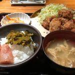 博多もつ鍋やまや 丸の内店 からあげ定食 明太子と高菜が食べ放題です。ヤバイです(((o(*゚▽゚*)o)))♡