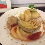 Cafe&zakka pollo 桃のスペシャルパンケーキ。第二弾は桃と紅茶🍑ポッロの桃と紅茶は間違いない(*´ェ`*)♡♡