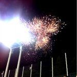 明治神宮野球場で野球をみたら打ち上げ花火が綺麗だった。