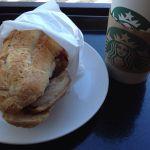 スターバックス ヒルズウォーク徳重ガーデンズ店 フィローネ テリヤキチキン。テリヤキのテーストが好みで、意外にパンもちゃんとパリッとしていて美味しかった。