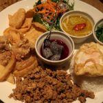 ガパオライス、グリーンカレー等、タイの代表的なメニューをカフェ飯風にマイルドに仕上げた「マンゴツリーカフェプレート」マンゴツリーカフェ mango tree cafe ルミネ横浜店