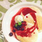HALE MOANA お台場ヴィーナスフォート ハワイの王道モチモチパンケーキ\(^o^)/クリーム固めで味しっかりで驚く!