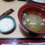 新宿さぼてん 新宿京王店 味噌汁 手毬麩が如何にも都会です
